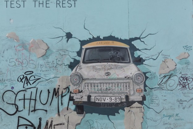 Berlin East Side Gallery - Gowithoh